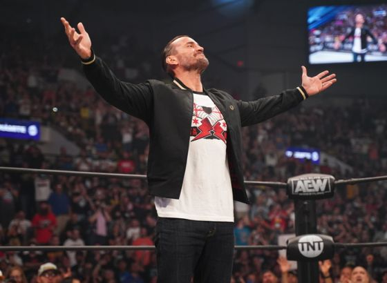 CM Punk Reportedly Sells Over 100,000 T-Shirts Since AEW Debut