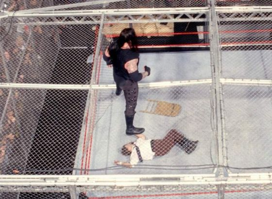 5 Things You Probably Don't Remember About Mankind Vs. The Undertaker - WWE Hell In A Cell