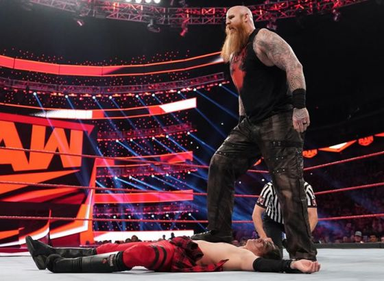 Contents Of Erick Rowan's Cage Revealed On WWE Raw
