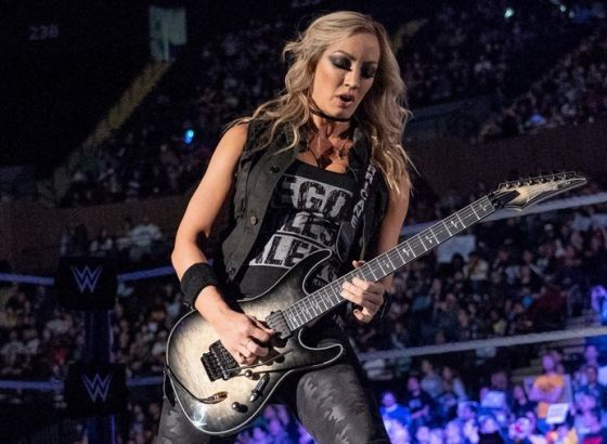 Nita Strauss Wants To Wrestle And Team With Becky Lynch In WWE