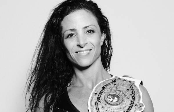 """Serena Deeb Had Left Knee Scoped, Says, She'll Be """"Back Before You Know It"""""""
